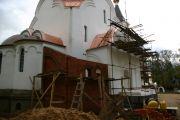 Строительство пристройки к алтарю, сентябрь 2009 г.