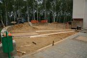 Подготовка холма к бетонированию, август 2010 г.