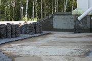 Работы по гидроизоляции фундамента храма, август 2014 г.