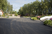 Началось асфальтирование дорог у храма, август 2015 г.