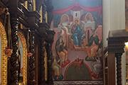 Стены храма украшены изображением сцен из Жития свт. Николая Чудотворца, май 2017 г.