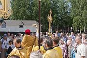 Крестный ход вокруг храма
