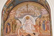 Левый придел храма посвящен Воскрешению Христову