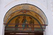 Вход в  Никитский мужской монастырь.