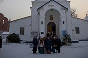 У храма Успения Пресвятой Богородицы, построенный в 1731 г.