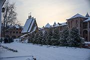 Храм прп. Сергия Радонежского и хр. прпп. Антония и Феодосия построен в стиле северного зодчества.
