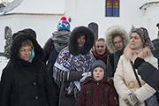 Паломники нашего храма на экскурсии по святыням Сольбинского монастыря.
