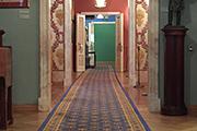 Музей воспроизводит уклад жизни дворянства в классических усадебных интерьерах, обставленных старинной мебелью, произведениями живописи, гравюрами.