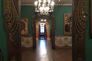 В экспозиции «Духовенство» можно обнаружить редкие иконы, в том числе и написанные до реформы Никона.